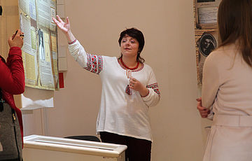 Кураторська екскурсія виставкою «Слово, обірване у Биківні»