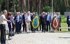 Burmistrzowie ukraińskich i polskich miast wspólnie uczcili pamięć ofiar stalinizmu