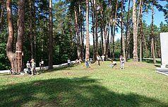 Школярі Київщини долучились до догляду за Меморіалом
