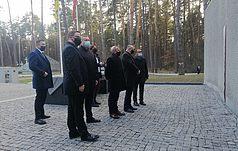 Міністр закордонних справ Польщі Збіґнєв Рау відвідав Биківню
